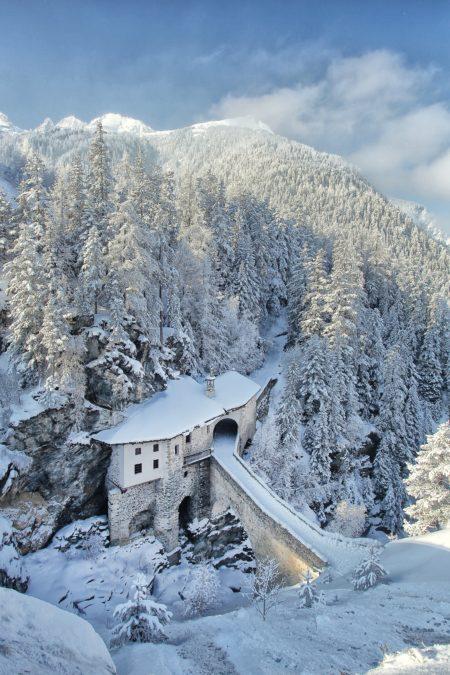 photographie de montagne photo d'art photo paysage de montagne Haute maurienne vanoise parc national de la vanoise savoie mont blanc valfrejus sanctuaire chapelle