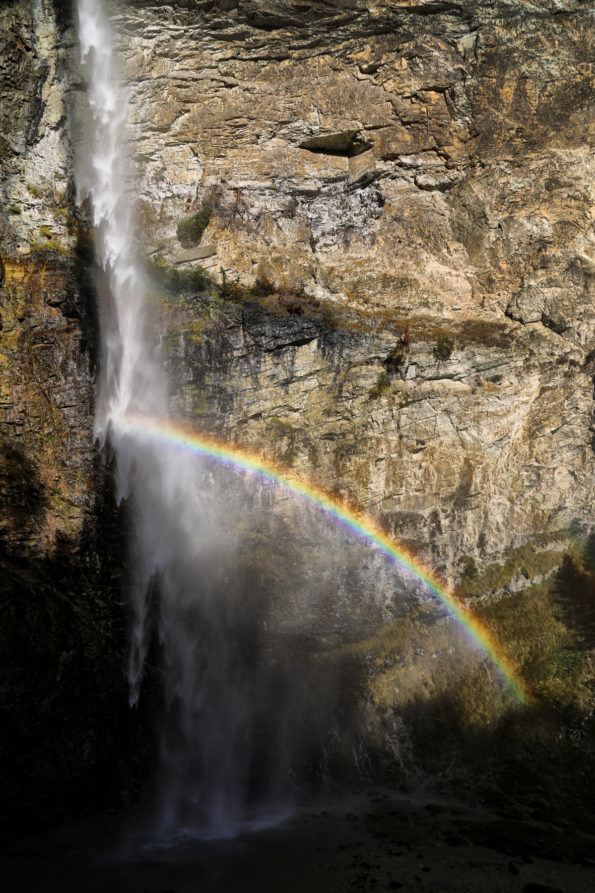 433.cascade saint benoit arc en ciel